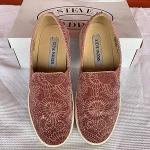 Steve Madden Zarayy-V Slip-On Sneakers